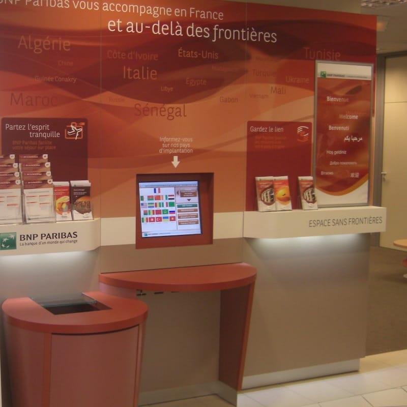 Réalisation d'un distributeur permettant d'effectuer différentes transactions bancaires
